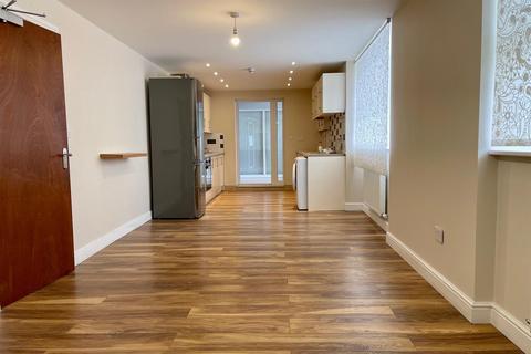 1 bedroom apartment to rent - Brettenham Road, London N18