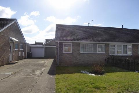 2 bedroom semi-detached bungalow for sale - Carrfield, Woodthorpe, York