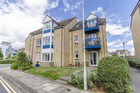 2 bedroom flat to rent - Atlantic Close, Ocean Village, Southampton, Hampshire