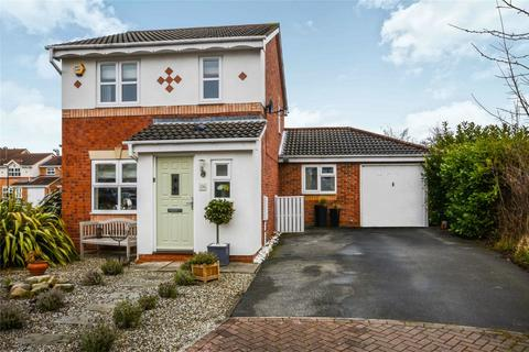 4 bedroom detached house for sale - Kensington Road, Rawcliffe, York