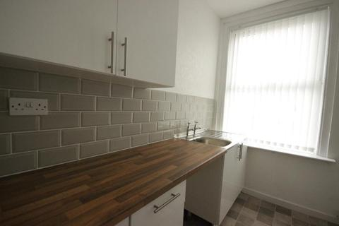 2 bedroom flat to rent - Holderness road, Hull, East Yorkshire, HU8 8JT