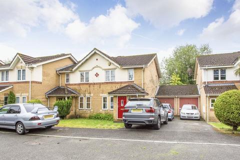 3 bedroom semi-detached house for sale - Holly Cottage Mews, Uxbridge, UB8