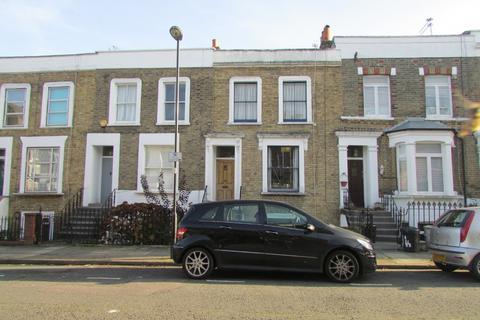 2 bedroom flat to rent - Calverley Grove N19