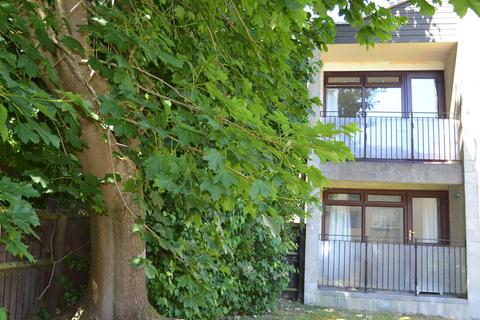 2 bedroom flat to rent - Melcombe Court, Oldfield Park, Bath
