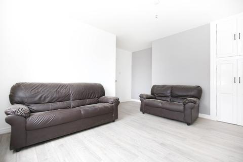 3 bedroom ground floor flat to rent - Sackville Road, Heaton, Newcastle Upon Tyne