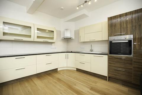 3 bedroom apartment to rent - Grainger Street, City Centre, Newcastle Upon Tyne