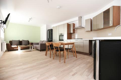 5 bedroom apartment to rent - St James Street, City Centre, Newcastle Upon Tyne