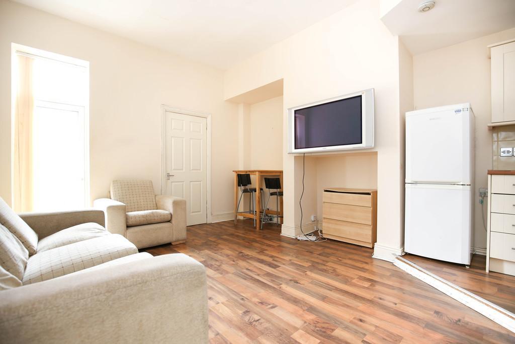 Kelvin Grove Sandyford Newcastle Upon Tyne 3 Bed Ground Floor Flat