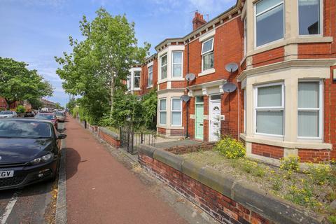 3 bedroom flat to rent - Rothbury Terrace, Heaton, Newcastle Upon Tyne