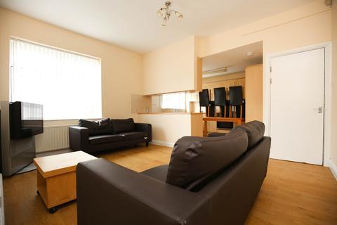 5 bedroom terraced house to rent - Sixth Avenue, Heaton, Newcastle Upon Tyne