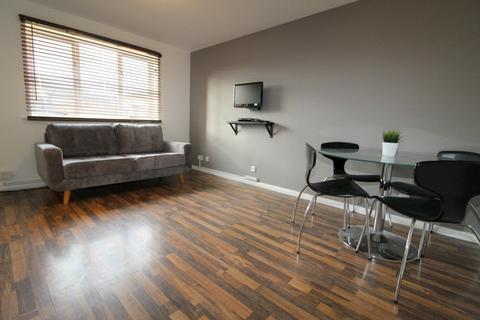 1 bedroom apartment to rent - Grinstead Road, Surrey Quays, London, SE8