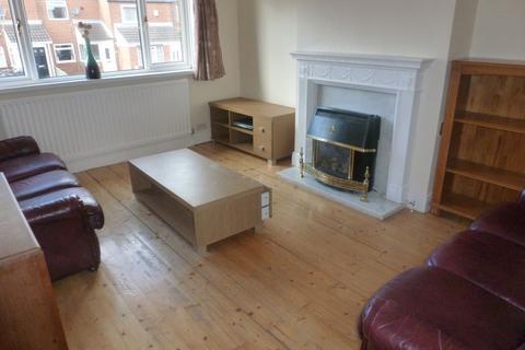 3 bedroom flat to rent - Gillies Street, Byker