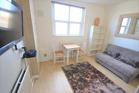 Studio to rent - Palace Gates Road                  , Alexandra Park                , N22