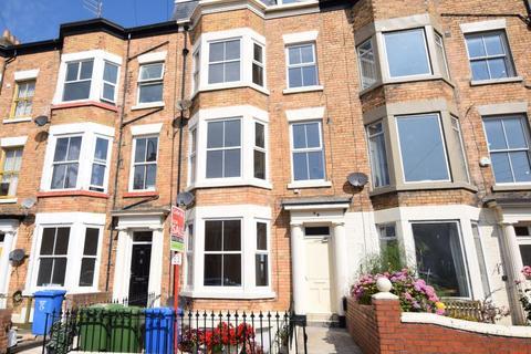 1 bedroom apartment for sale - Flat 2, Trafalgar Square, Scarborough, North Yorkshire YO12 7PZ