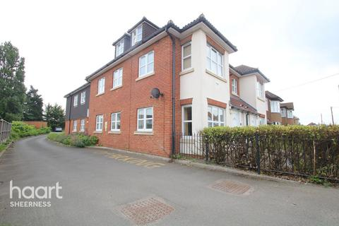 2 bedroom flat for sale - Queenborough Road, Sheerness