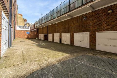 Flat to rent - Denbigh House, Hans Place, Knightsbridge