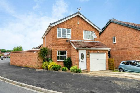 3 bedroom detached house for sale - Deveron Way, Woodthorpe, York