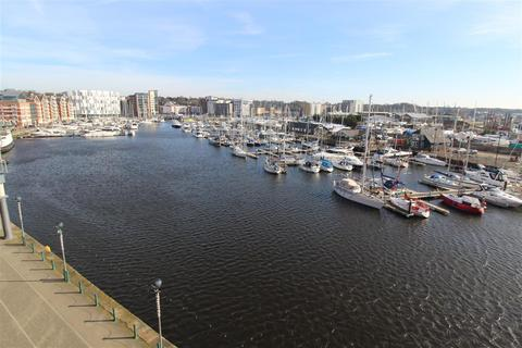 2 bedroom apartment to rent - Two bedroom fully furnished waterfront PENTHOUSE apartment
