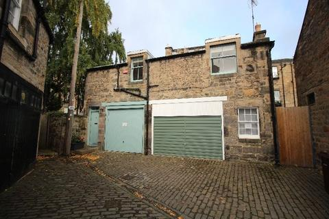 Studio to rent - Gloucester Square, New Town, Edinburgh