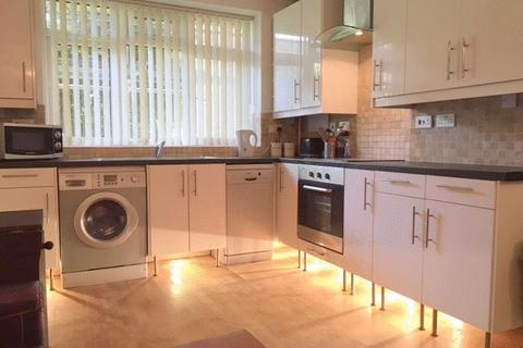 3 bedroom apartment to rent - Wandsworth Road, Vauxhall SW8