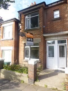2 bedroom flat to rent - Coombe Road, Brighton, BN2 4EB