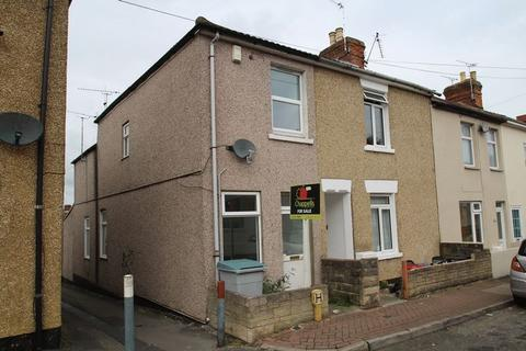 3 bedroom end of terrace house to rent - William Street