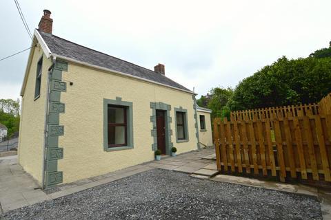 3 bedroom cottage for sale - Heol Y Parc, Pontyberem, Llanelli