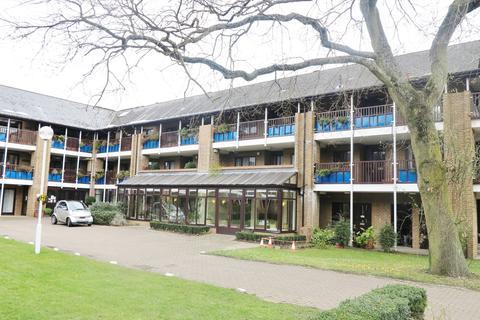 2 bedroom flat for sale - Emmbrook Court, Reading, RG6 5TZ