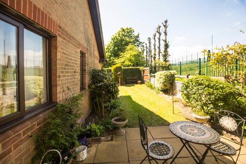 2 bedroom semi-detached house for sale - Burrcroft Court, Reading, RG30 2ET