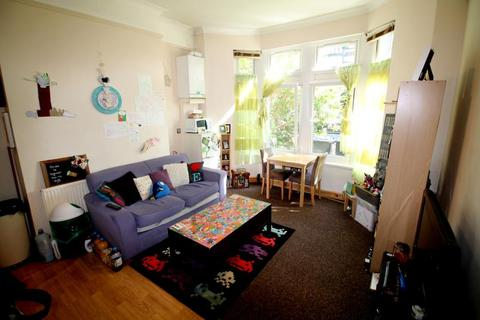 1 bedroom flat to rent - Connaught Road, Roath - Cardiff