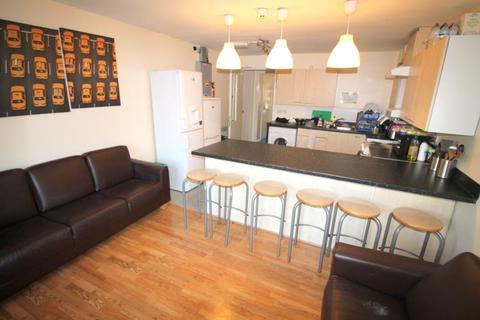 6 bedroom flat to rent - Gwennyth Street, Cathays - Cardiff