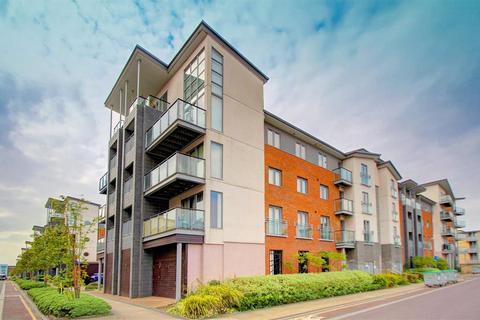 3 bedroom duplex for sale - Cameronian Square, Worsdell Drive, Gateshead, NE8