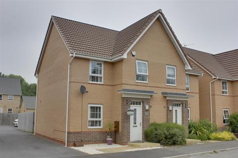 3 bedroom semi-detached house for sale - Boundary Way, Hull