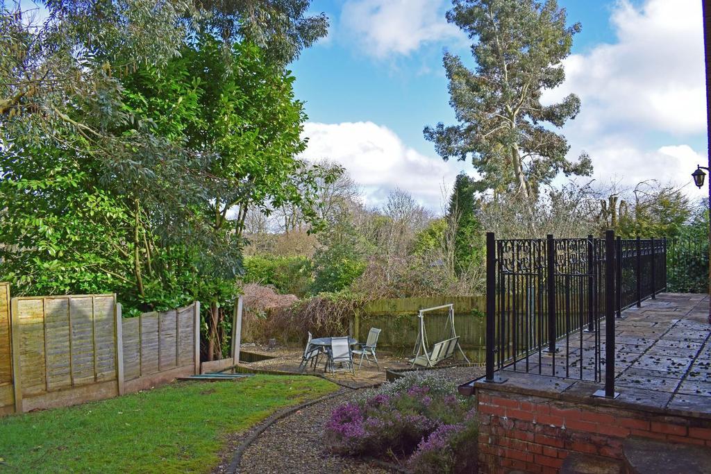 17 A Cofton Lake Road, garden 1.jpg