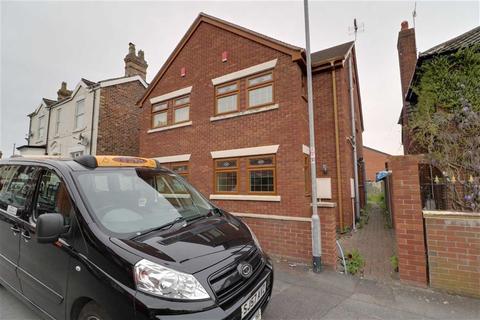 3 bedroom semi-detached house for sale - Elm Street, Cobridge, Stoke-on-Trent