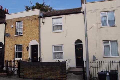 4 bedroom terraced house to rent - Saunders Street,  Gillingham, ME7