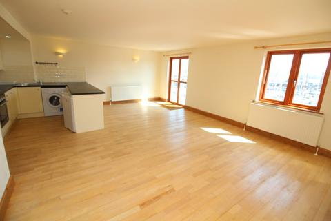 2 bedroom flat for sale - 13 Sovereign House, Nelson Quay, Milford Haven SA73 3AJ