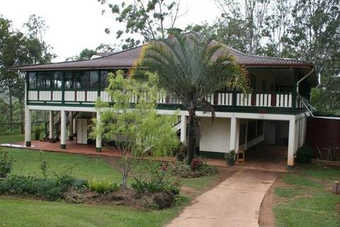 8 bedroom property  - 120 Gribble Road, WONDECLA, QLD 4887