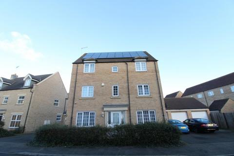 5 bedroom detached house for sale - Baldwin Drive,  Peterborough, PE2