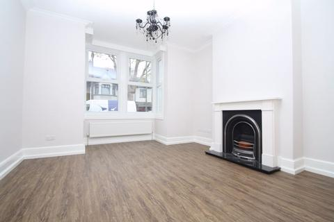 2 bedroom maisonette to rent - Sidney Road, STAINES, Surrey
