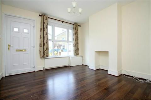 3 bedroom semi-detached house to rent - Hythe Road, Staines-upon-Thames, Surrey