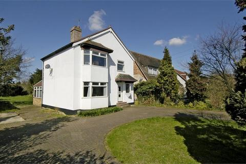 4 bedroom detached house to rent - Welley Road, Wraysbury, Staines-upon-Thames, Berkshire, TW19 5EP