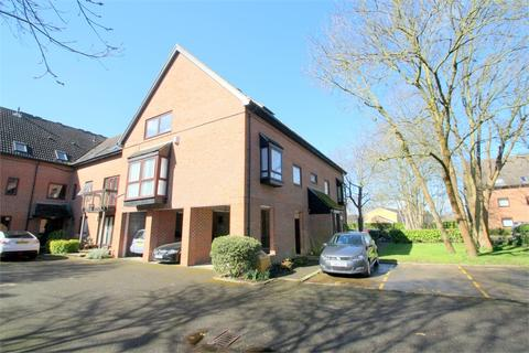 2 bedroom flat to rent - The Oaks,, Moormede Crescent, STAINES-UPON-THAMES, Surrey