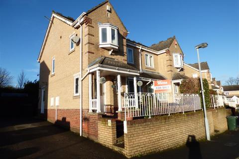 3 bedroom semi-detached house for sale - Scholars Walk, Eccleshill, Bradford, BD2