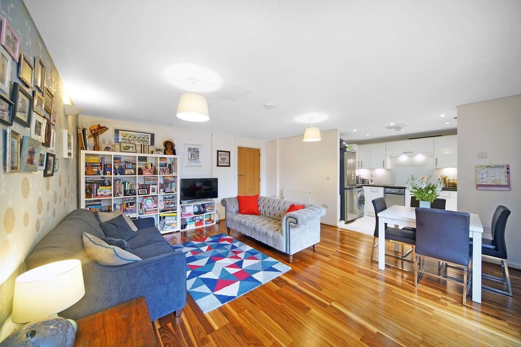 Blueprint apartments 16 balham grove balham london sw12 2 bed image 3 of 13 picture no 06 malvernweather Choice Image