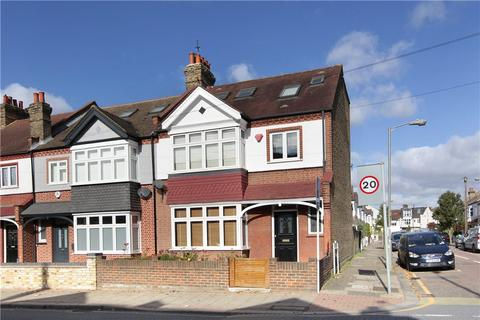 5 bedroom end of terrace house for sale - Broomwood Road, Battersea, London, SW11