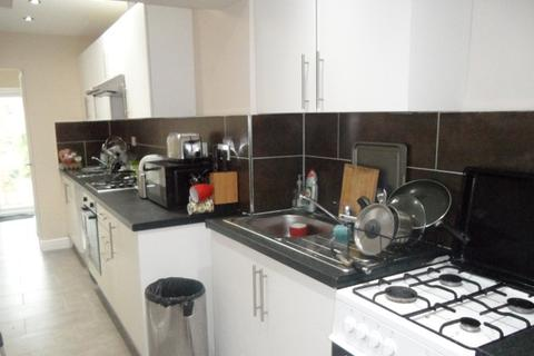 1 bedroom flat share to rent - Coniston Avenue, Greenford