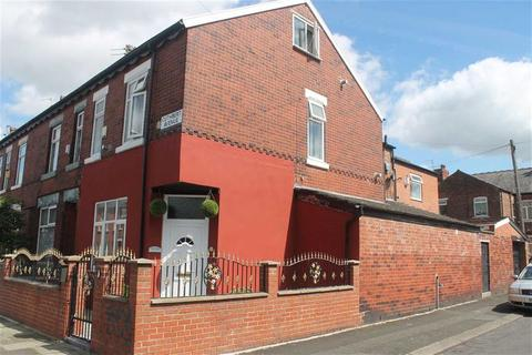 4 bedroom end of terrace house for sale - Cuthbert Avenue, Levenshulme, Manchester