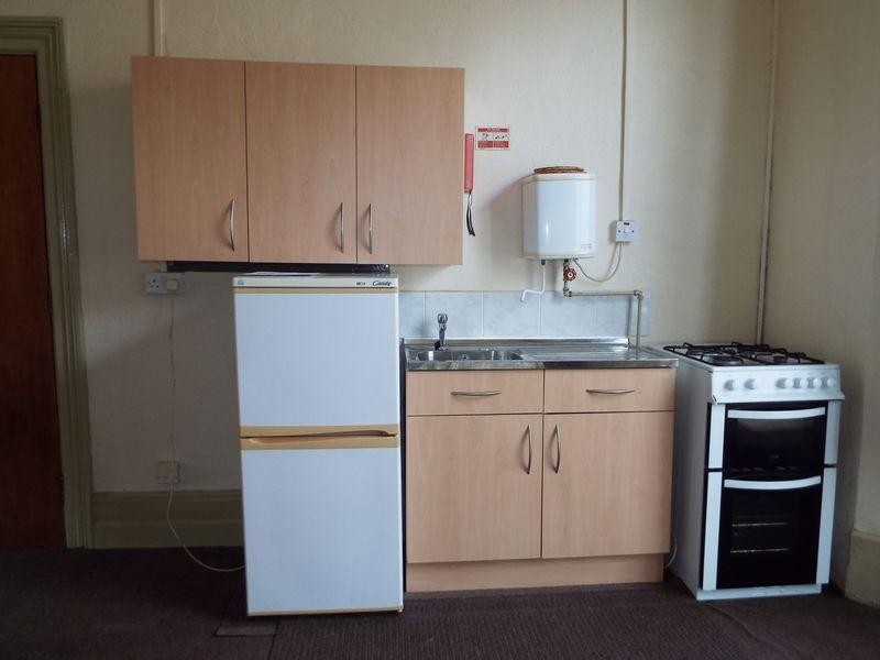 Kitchenette flat 2