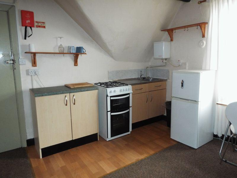 Kitchenette flat 8